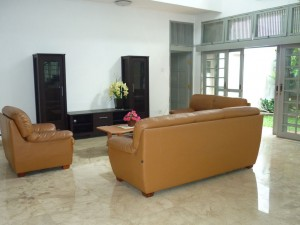 Classic House with Good Air Circulation near Pondok Indah Mall