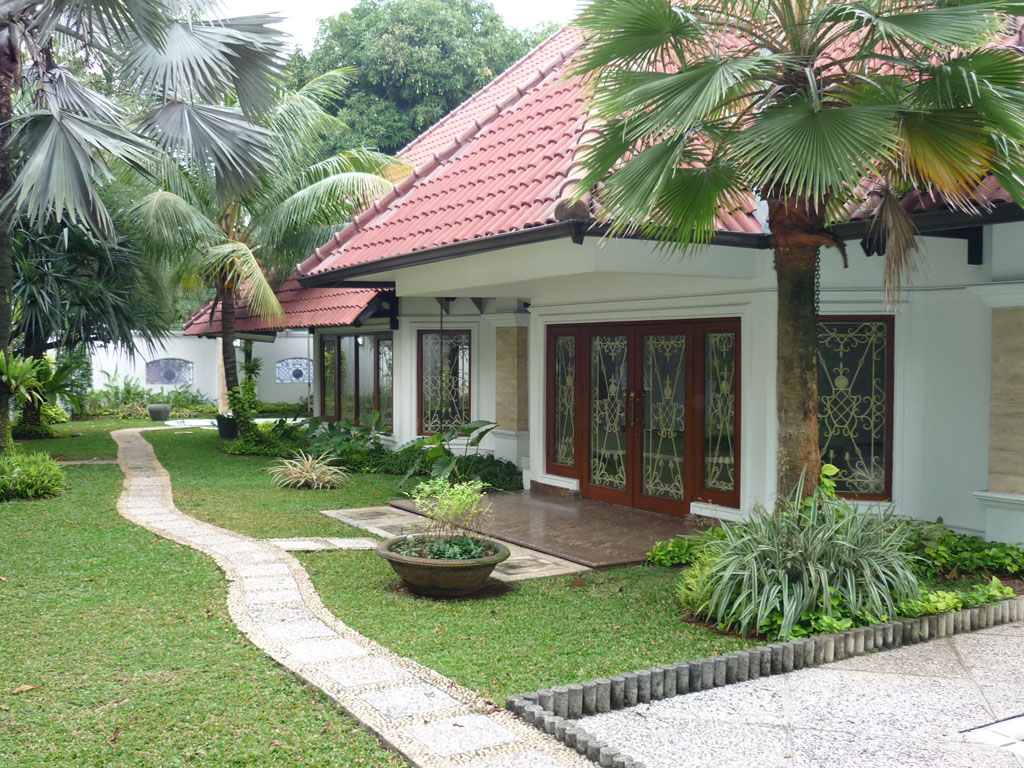 good house in good location kebayoran baru