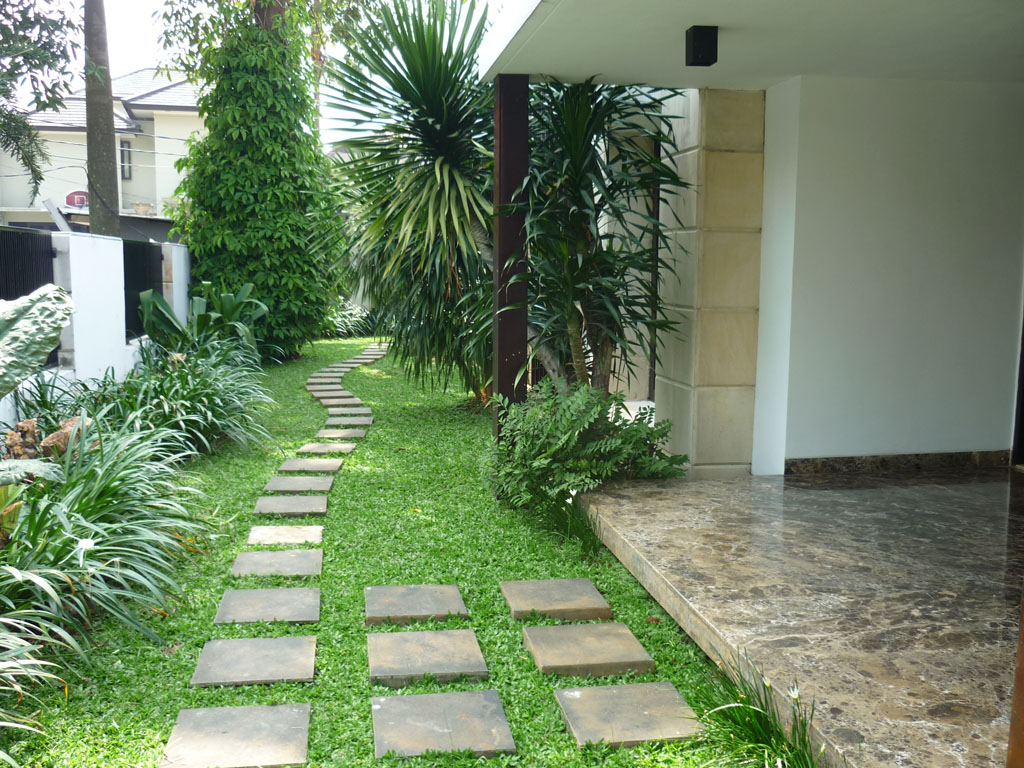 The Modern House In Compound Area  Kemang Timur - Modern house jakarta