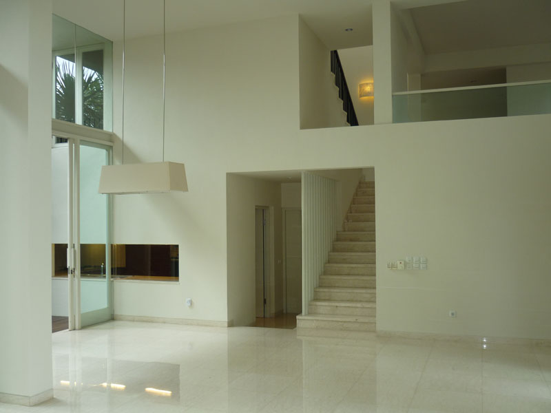 House For Rent Minimalist Modern House in nice compound good