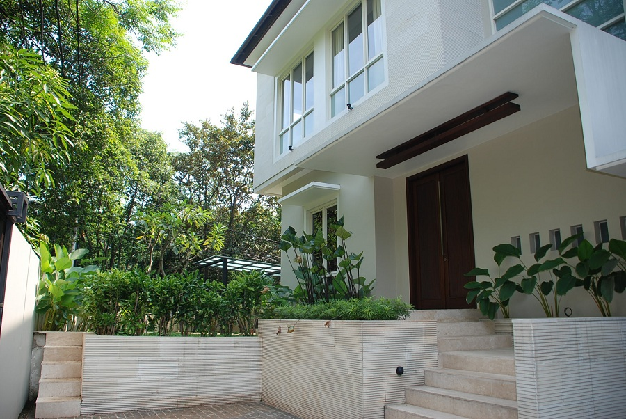 House for rent modern minimalist house close to scbd area for Minimalist house jakarta