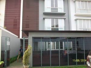 House For Rent: Modern house with one gate system & good price