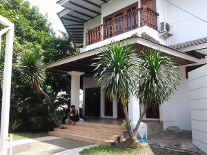 House For Rent: Classic house with good price at Kebayoran Baru