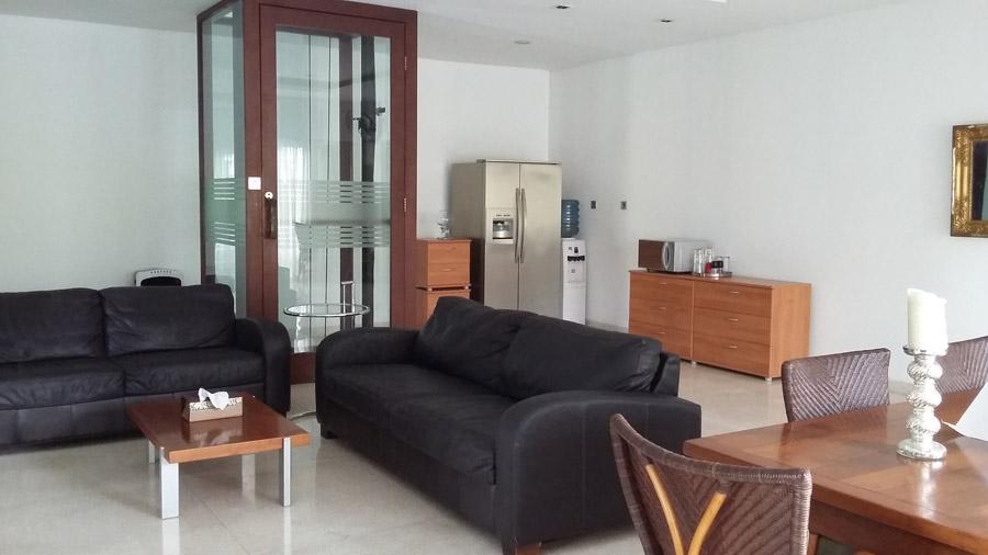 Garage Sale Furniture Jakarta Selatan