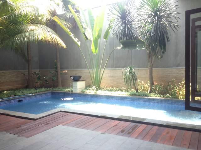 Modern minimalist house for lease for Minimalist house jakarta